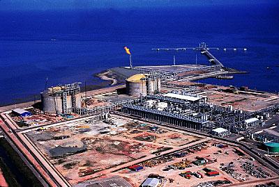 Venezuela & Trinidad. Gas an Petrochemical Neighbors (Infographic)
